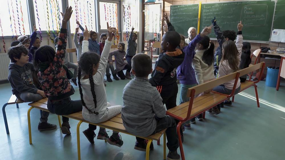 Des activités à l'école pour grandir en respect de soi et de l'autre par le toucher et la parole